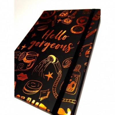 Cuaderno cierre elástico 14x21 cm x96 hojas rayadas HELLO GORGEOUS Talbot